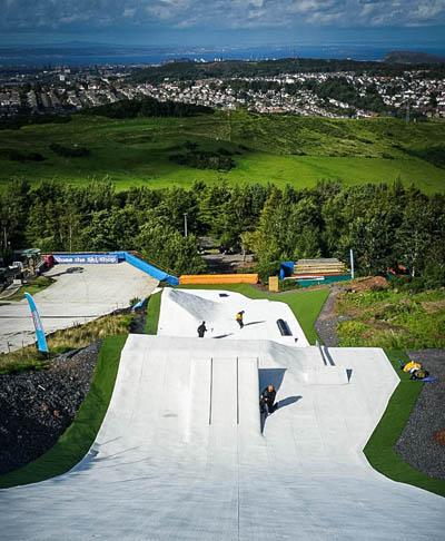 https://www.midlothian.gov.uk/images/ski_centre_fun_slope.jpg
